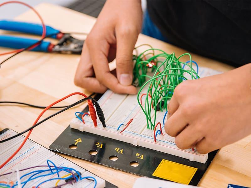 educacion tecnologica ciencia y robotica