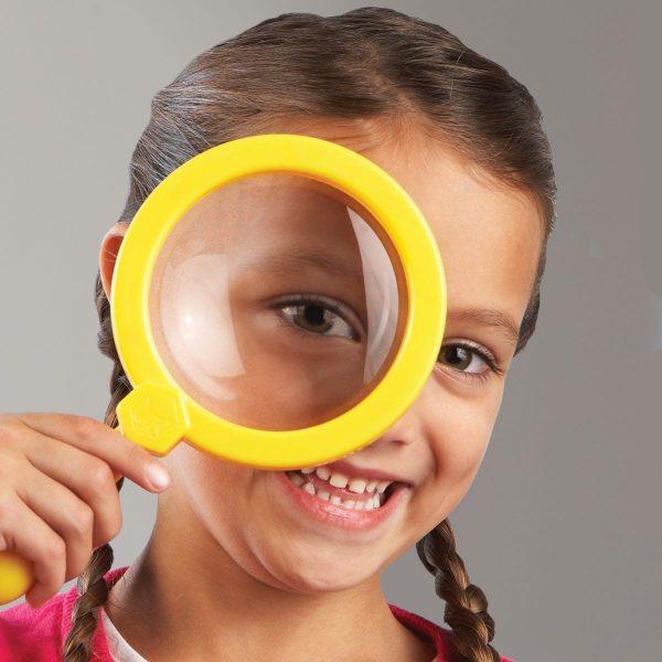 2775 jumbo magnifier girl 1 3